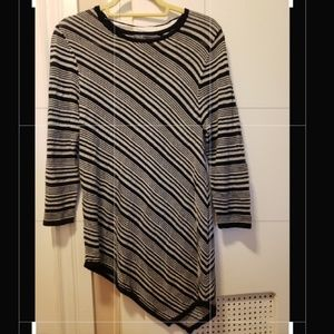 89th & Madison sheer long sleeve sweater size M